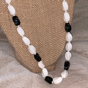 Jewelry - Glass Black & White fluted Bead Necklace